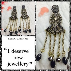 Jewelry - Rock cooper with dangling black beads earnings